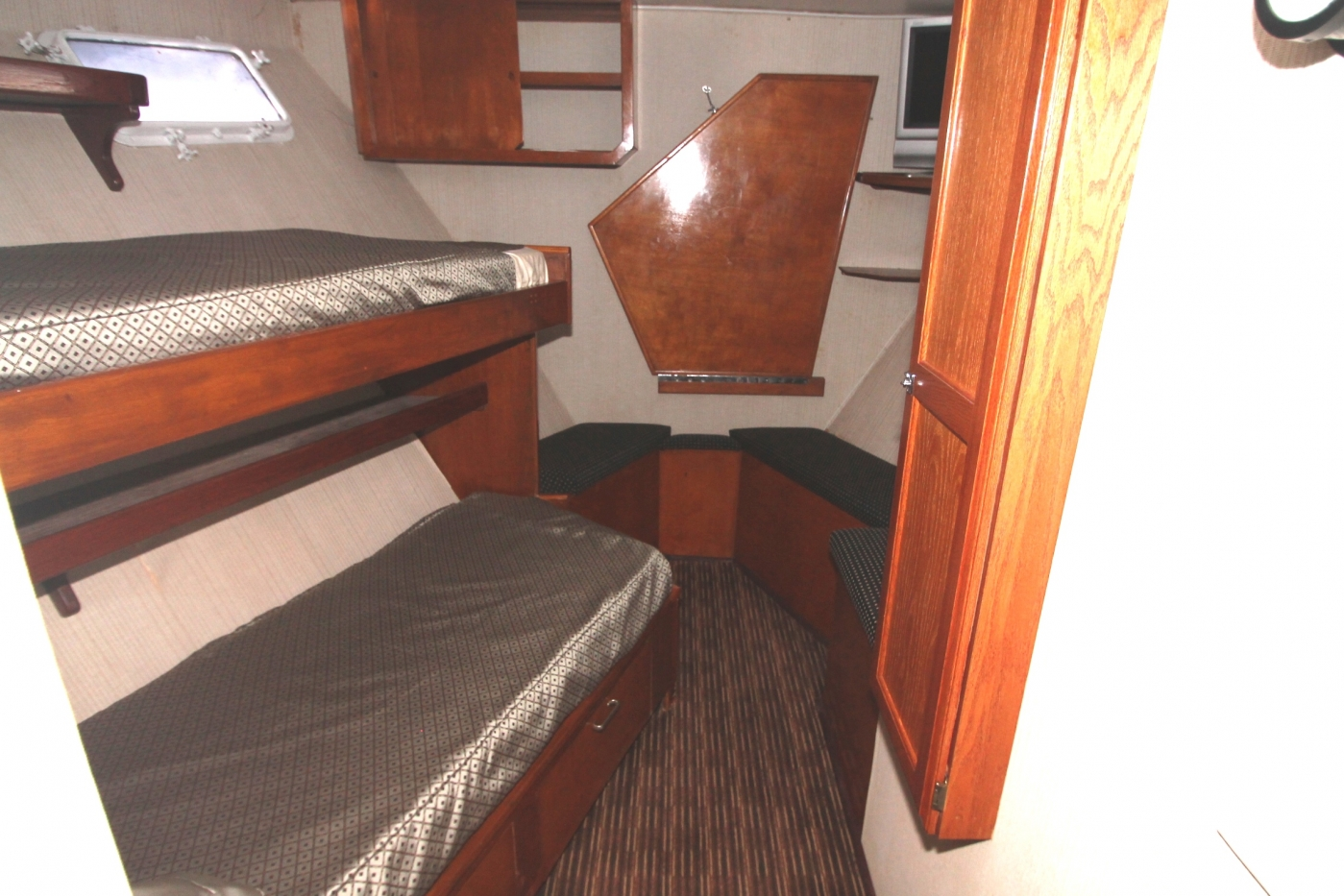 Bow Bunks (Crew)