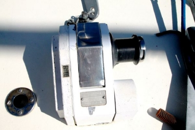 Windlass with Foot Pedal   click image to enlarge