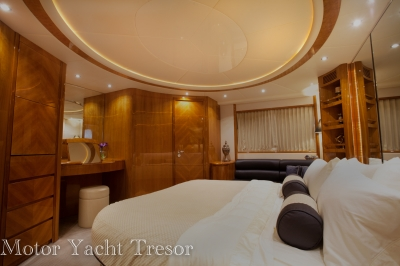 Master Stateroom   click image to enlarge