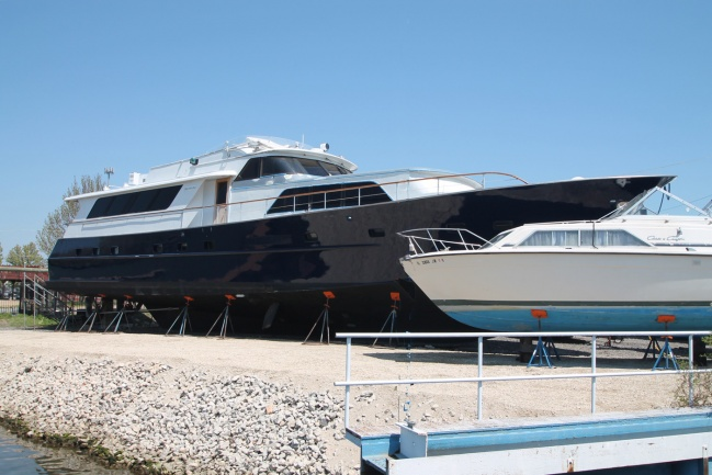 Broward 91 Raised Pilothouse