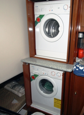 Washer & Dryer in 3rd Stateroom   click image to enlarge