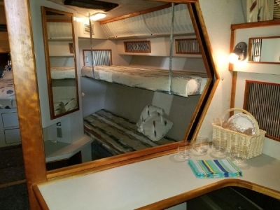 Open Concept into Bunk Berth   click image to enlarge