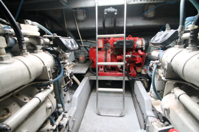 Engine Room Looking AFT   click image to enlarge
